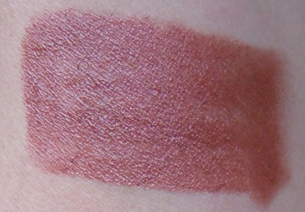 cinnamon swatch, estee lauder cinnamon lipstick swatch, estee lauder hydra lustre lipstick cinnamon swatch, beauty blog, makeup blog, mom beauty blog