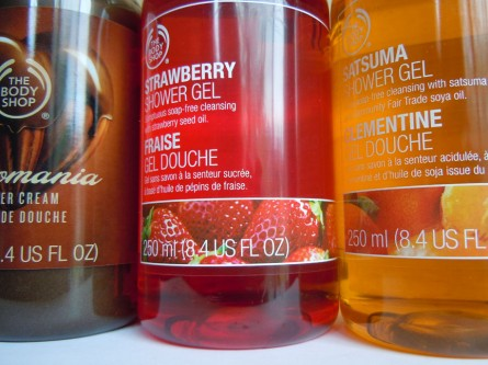 body shop shower gel closeup photo, chocomania, strawberry, satsuma