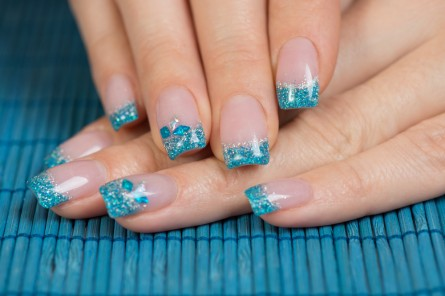 blue french tips, blue makeup, blue makeup pinterest, blue manicure