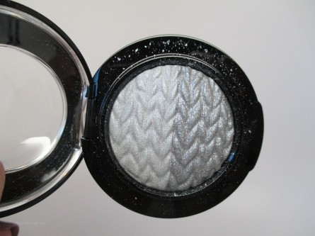 MAC Mineralize Eye Shadow Just Breathe, Lightness of Being