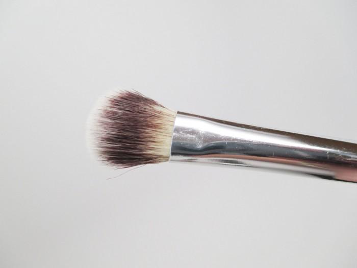 IT Cosmetics All Over Eyeshadow Brush