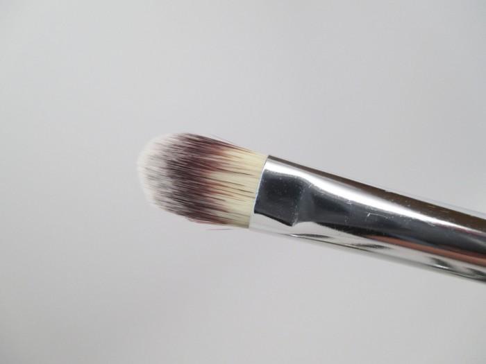 IT Cosmetics Flat Concealer Brush