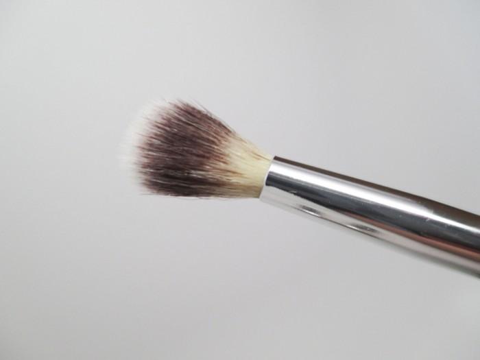 IT Cosmetics Crease Brush