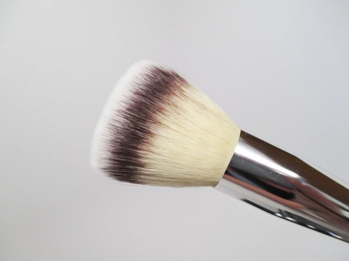 IT Cosmetics Multi Powder Brush
