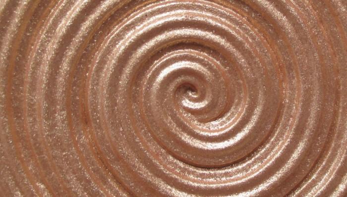Laura Geller Baked Gelato Swirl Illuminator Closeup