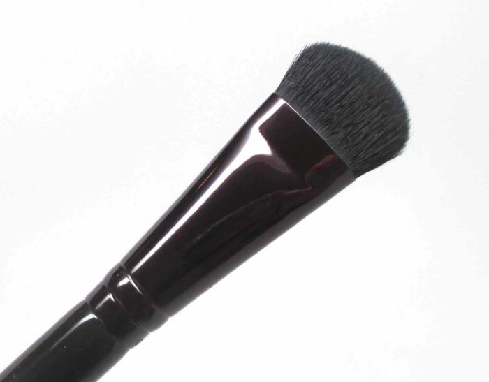 Laura Mercier All Over Eye Colour Brush, Brush It On Luxe Collection