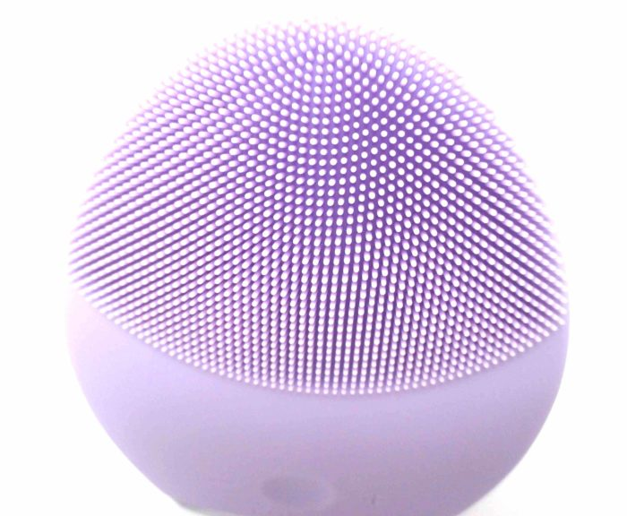 FOREO LUNA 2 Sensitive Skin Cleansing Side #spon